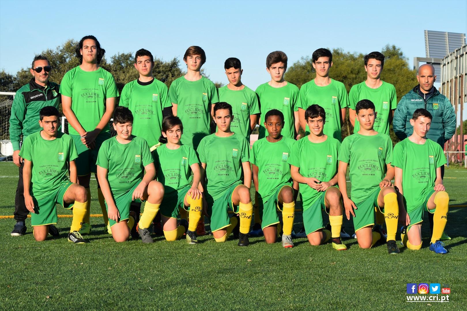 Fotos  Galitos (sub-16) x CRI (sub-15 16) – Jogo de preparação ... d219f81a4c9be
